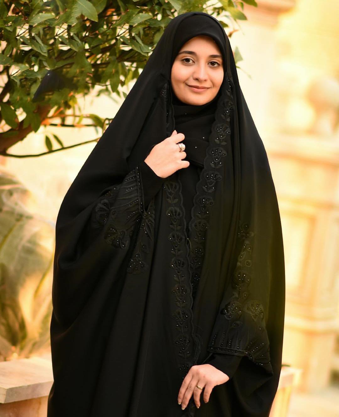 حجاب-زیبا-چادر-گیپوردوزی-شده