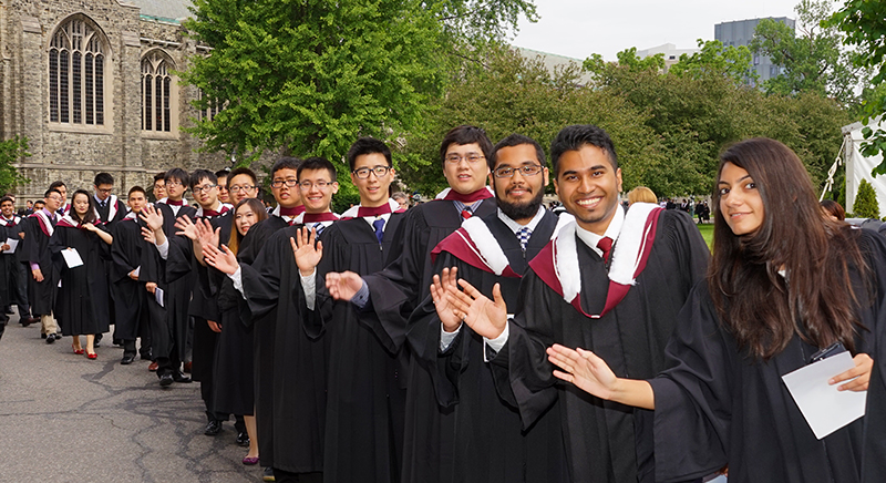 رنگ-مشکی-دانشگاه-تورنتو-کانادا