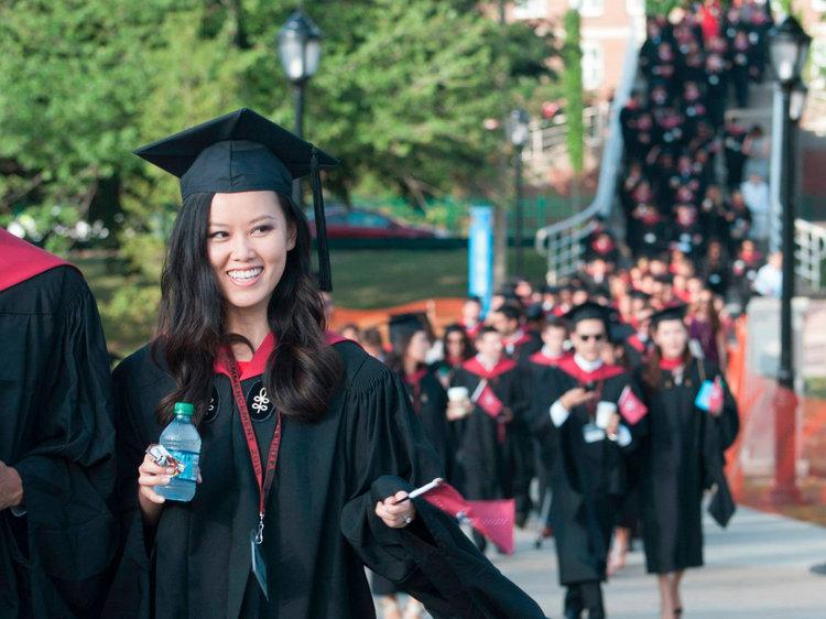 لباس-فارغ-التحصیلی-دانشگاه هاروارد